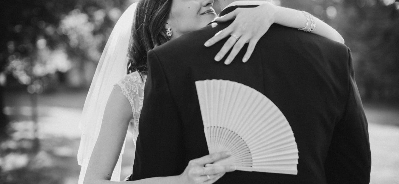 fotograf ślubny łódź warszawa poznań wrocław plener czarnobiały subtelny ślub 2019 2020 BW klasyczne piękno